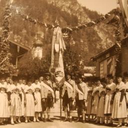 1931 Aktive m Fahne